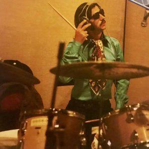 Ringo Starr negli studi di Abbey Road